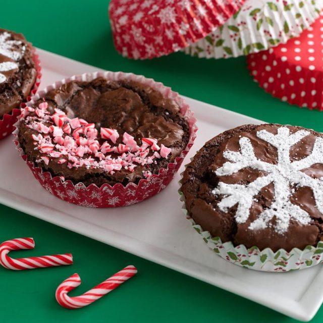Holiday Bakeware is now available online! Stock up now andhellip